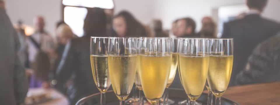 Privatiser un bar à Paris pour 100 personnes : C'est possible ?