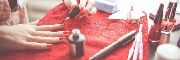 Les conseils pour faire ses ongles en gel et comment les porter avec style!
