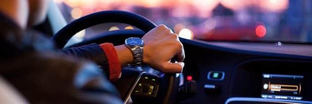 Combien d'argent par an dépense-t-on dans les voitures ?