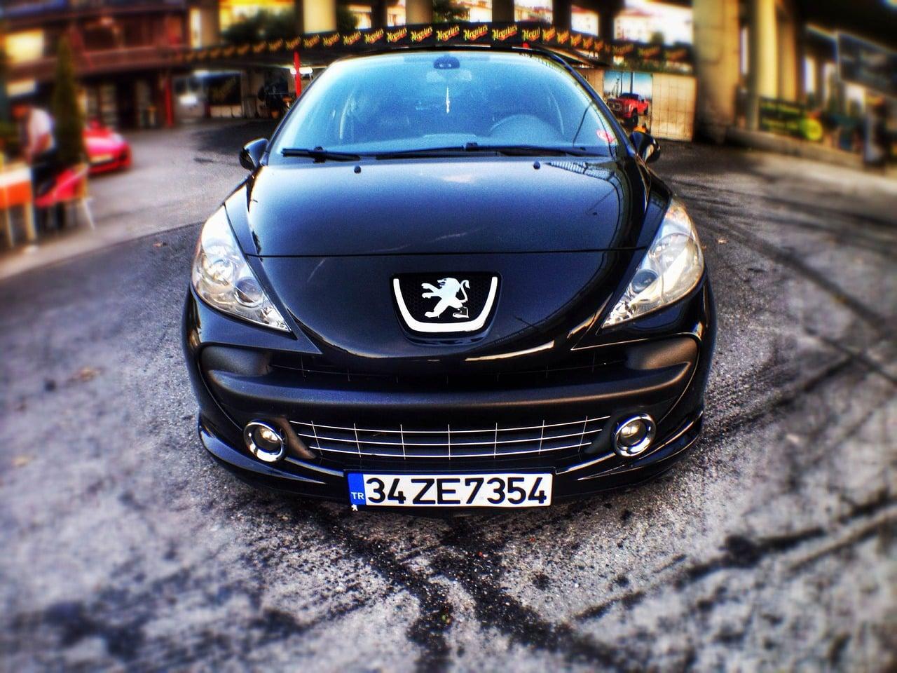 Peugeot noir zoomé