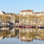 Passer une nuit romantique à Lyon - La chambre avec jacuzzi privatif un must pour une soirée réussie !