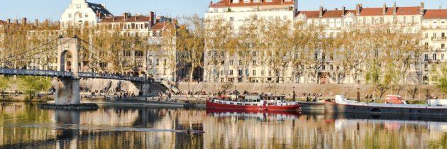 Passer une nuit romantique à Lyon – La chambre avec jacuzzi privatif un must pour une soirée réussie !