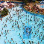 L'été sur la Riviera: plage, clubs et parcs d'attractions