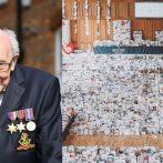 Un vétérinaire de la Seconde Guerre mondiale qui a recueilli des millions de dollars au cours d'une pandémie de coronavirus reçoit une célébration réconfortante du 100e anniversaire