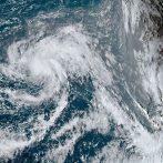 René se renforce dans une tempête tropicale, toujours en voie de devenir un ouragan