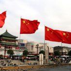 L'économie chinoise s'accélère alors que la reprise du coronavirus se renforce