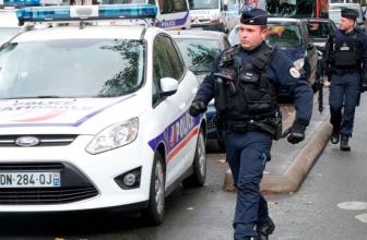 Une enquête terroriste ouverte sur l'attaque au couteau de Paris qui a fait au moins 2 blessés