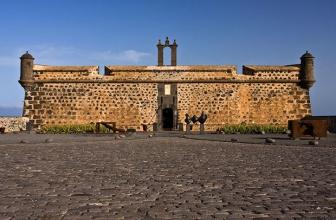 Le Castillo de San José: de la forteresse militaire au musée d'art contemporain