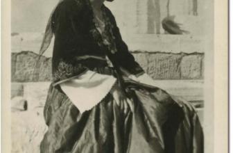 Traditions crétoises: les costumes traditionnels des femmes à travers l'histoire de la Crète